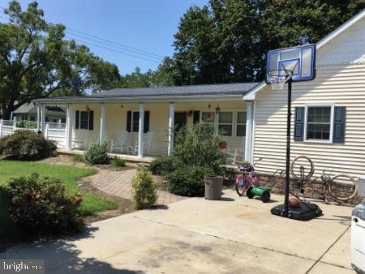 独户住宅 为 销售 在 701 MARSHA Avenue Williamstown, 新泽西州 08094 美国在/周边: Monroe Township