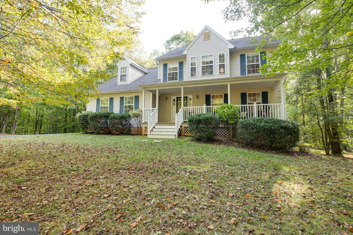 Single Family Home for Sale at 19312 OLD VILLAGE Court 19312 OLD VILLAGE Court Jeffersonton, Virginia 22724 United States
