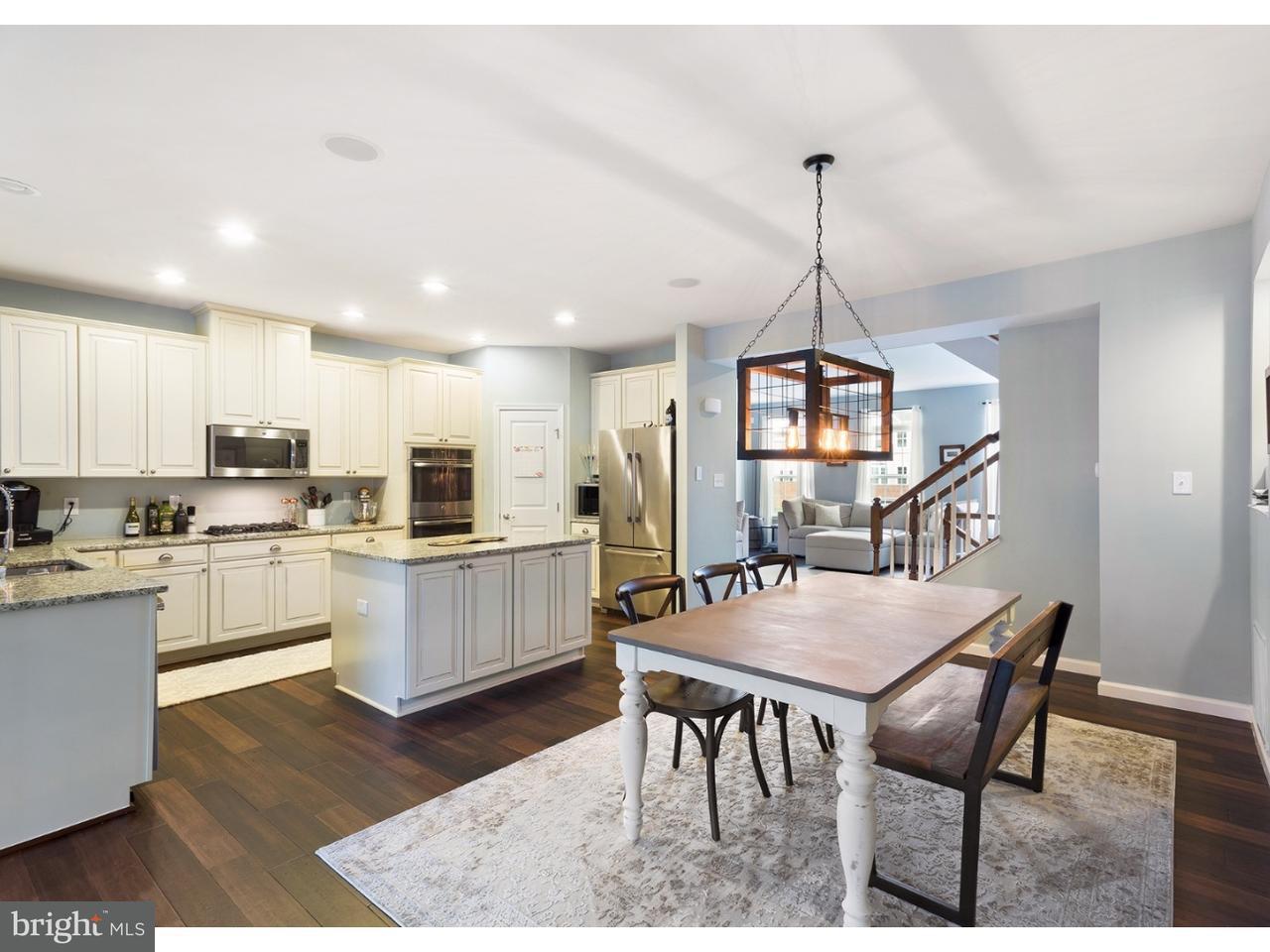 Casa unifamiliar adosada (Townhouse) por un Venta en 47 ISABELLE Court Evesham Twp, Nueva Jersey 08053 Estados Unidos