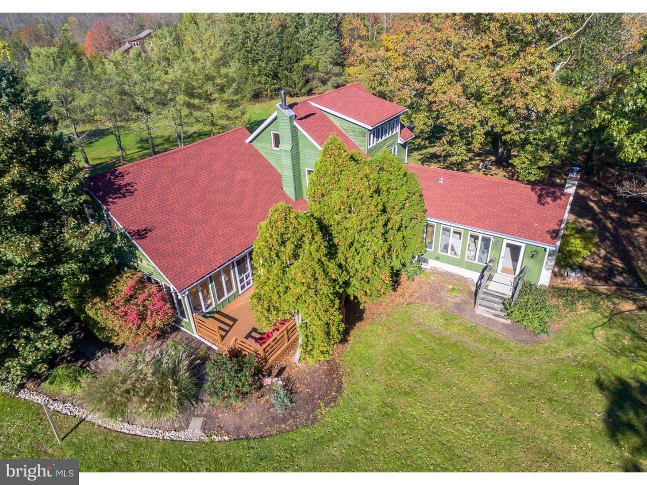 Частный односемейный дом для того Продажа на 408 SALFORD STATION Road Perkiomenville, Пенсильвания 18074 Соединенные Штаты