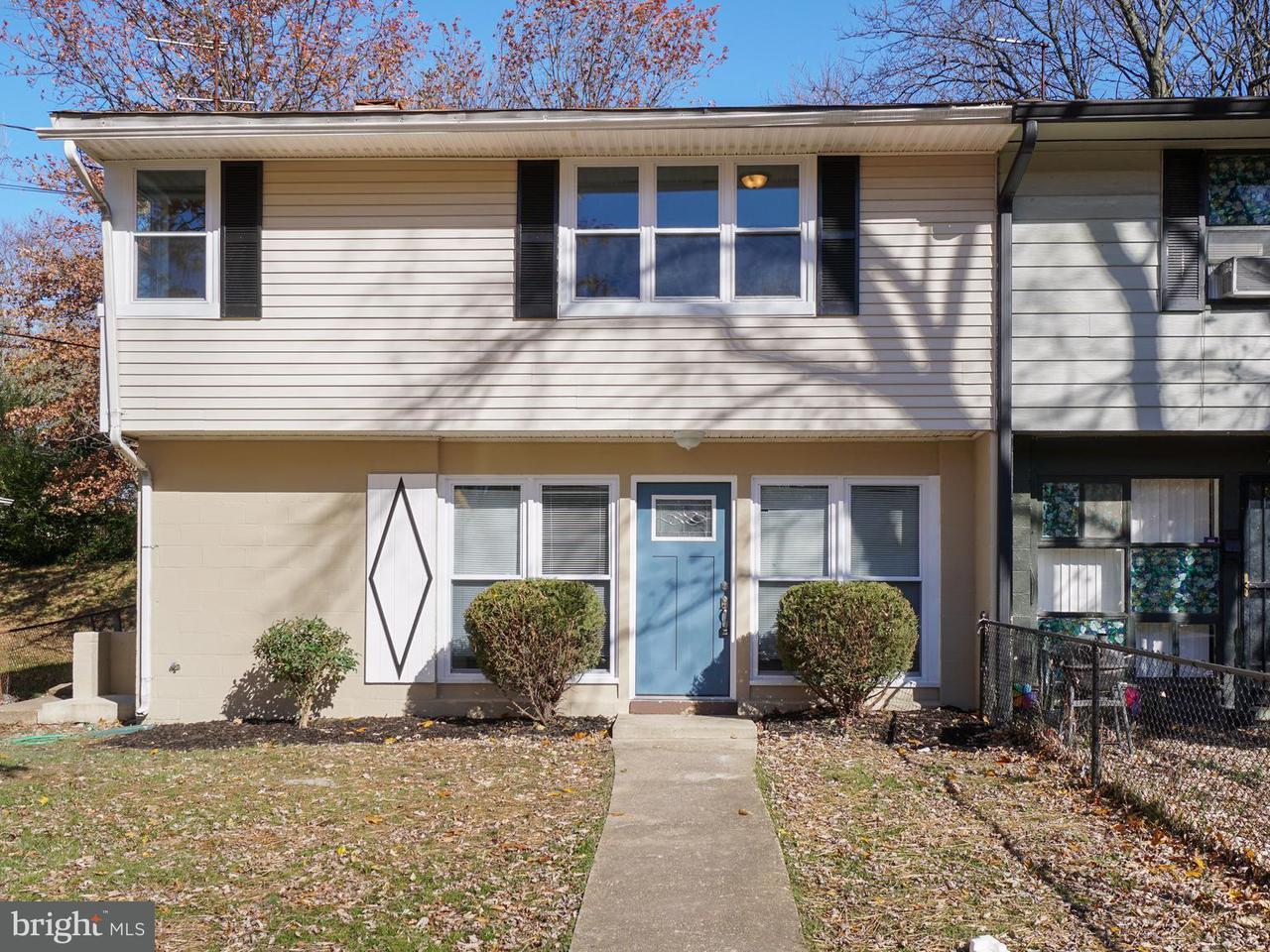 多棟聯建住宅 為 出售 在 7914 ROXBURY Court 7914 ROXBURY Court Landover, 馬里蘭州 20785 美國