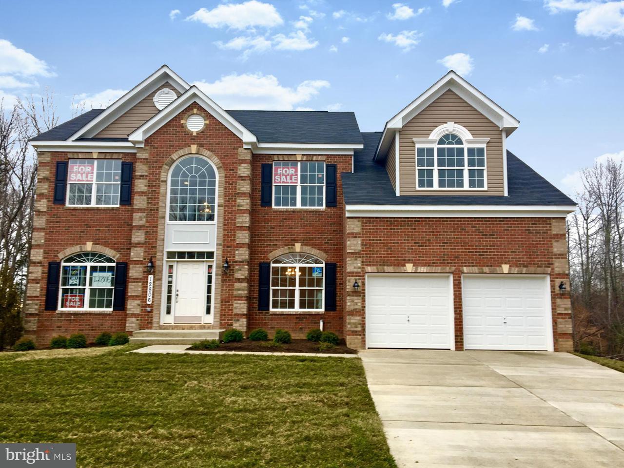 Частный односемейный дом для того Продажа на 12915 STEAM MILL FARM Drive 12915 STEAM MILL FARM Drive Brandywine, Мэриленд 20613 Соединенные Штаты