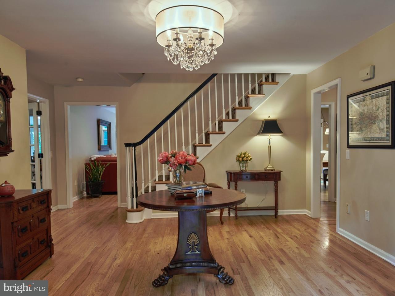Enfamiljshus för Försäljning vid 83 WEST Street Belle Mead, New Jersey 08502 UsaI/Runt: Montgomery Township