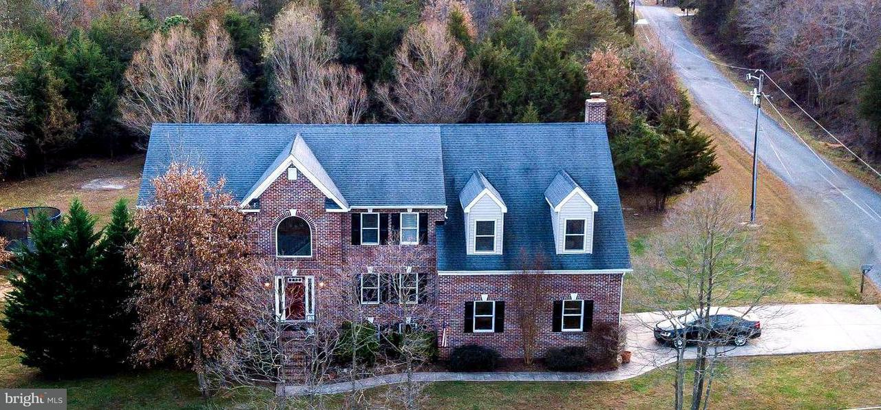 Single Family for Sale at 5699 Honilea Dr Broad Run, Virginia 20137 United States