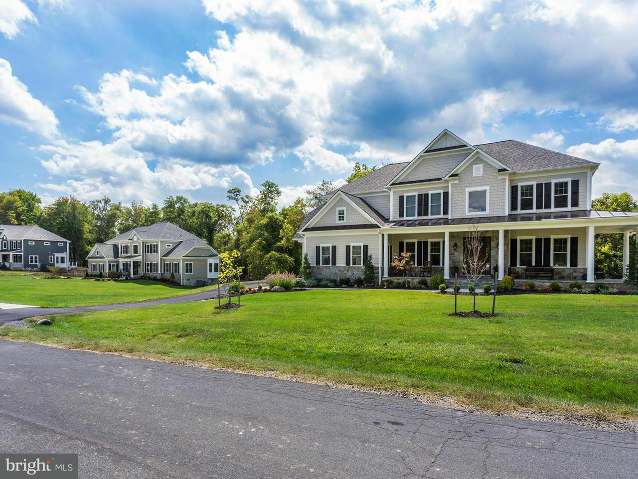 Additional photo for property listing at 3812 MAPLE HILL Road 3812 MAPLE HILL Road Fairfax, Virginia 22033 United States