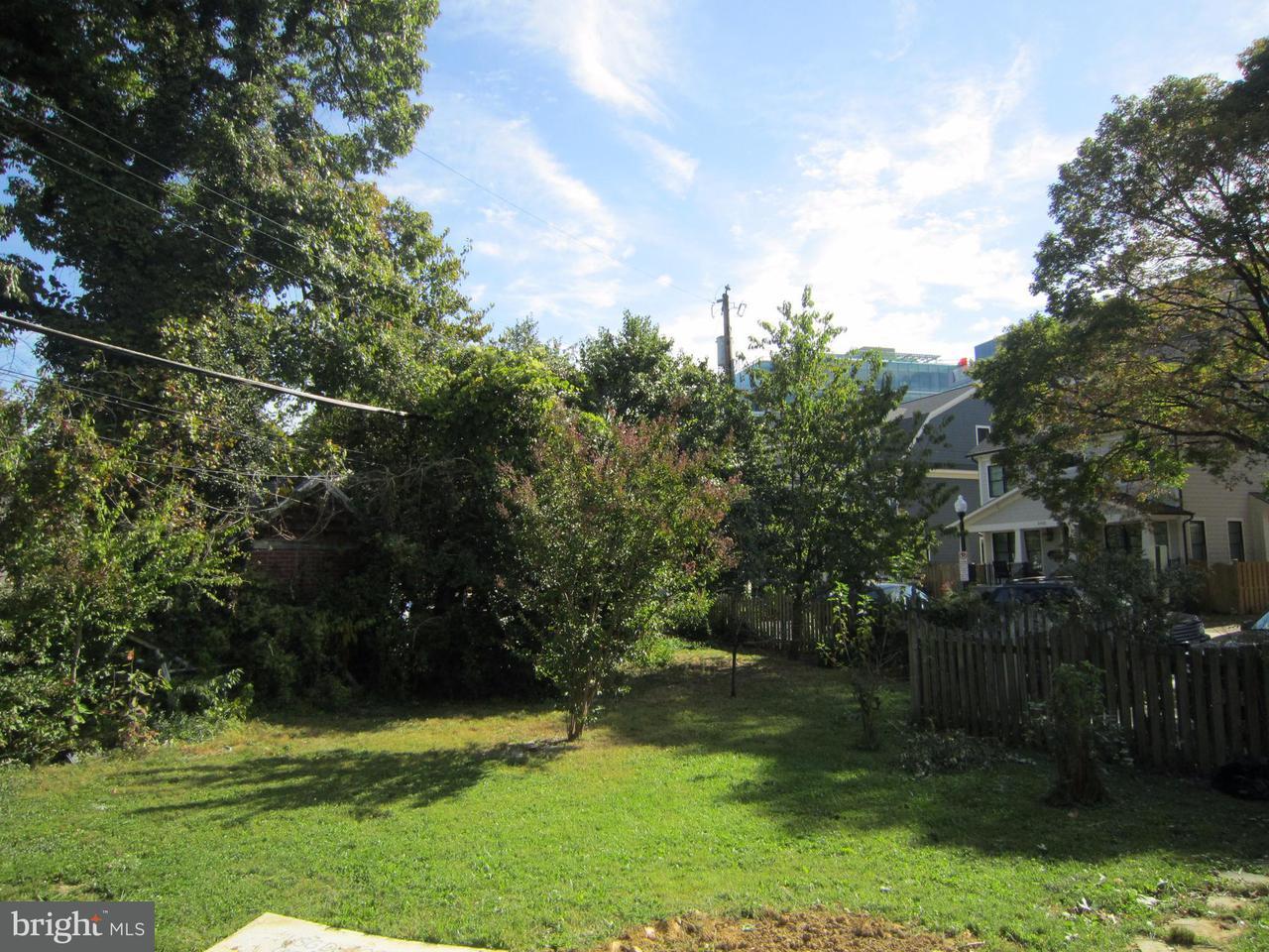 土地 のために 売買 アット 2421 16TH ST N 2421 16TH ST N Arlington, バージニア 22201 アメリカ合衆国
