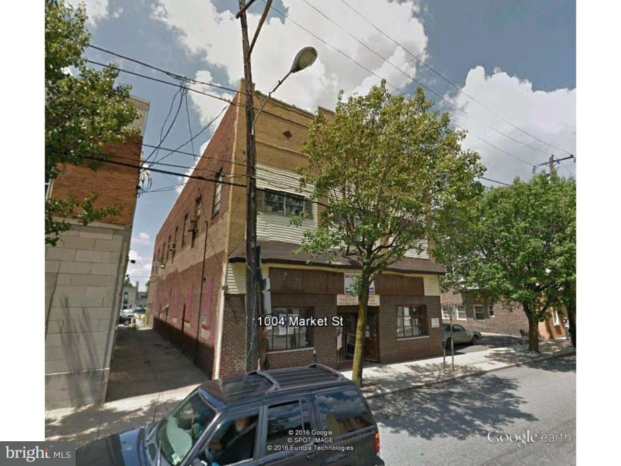 Maison unifamiliale pour l Vente à 1004 MARKET Street Marcus Hook, Pennsylvanie 19061 États-Unis