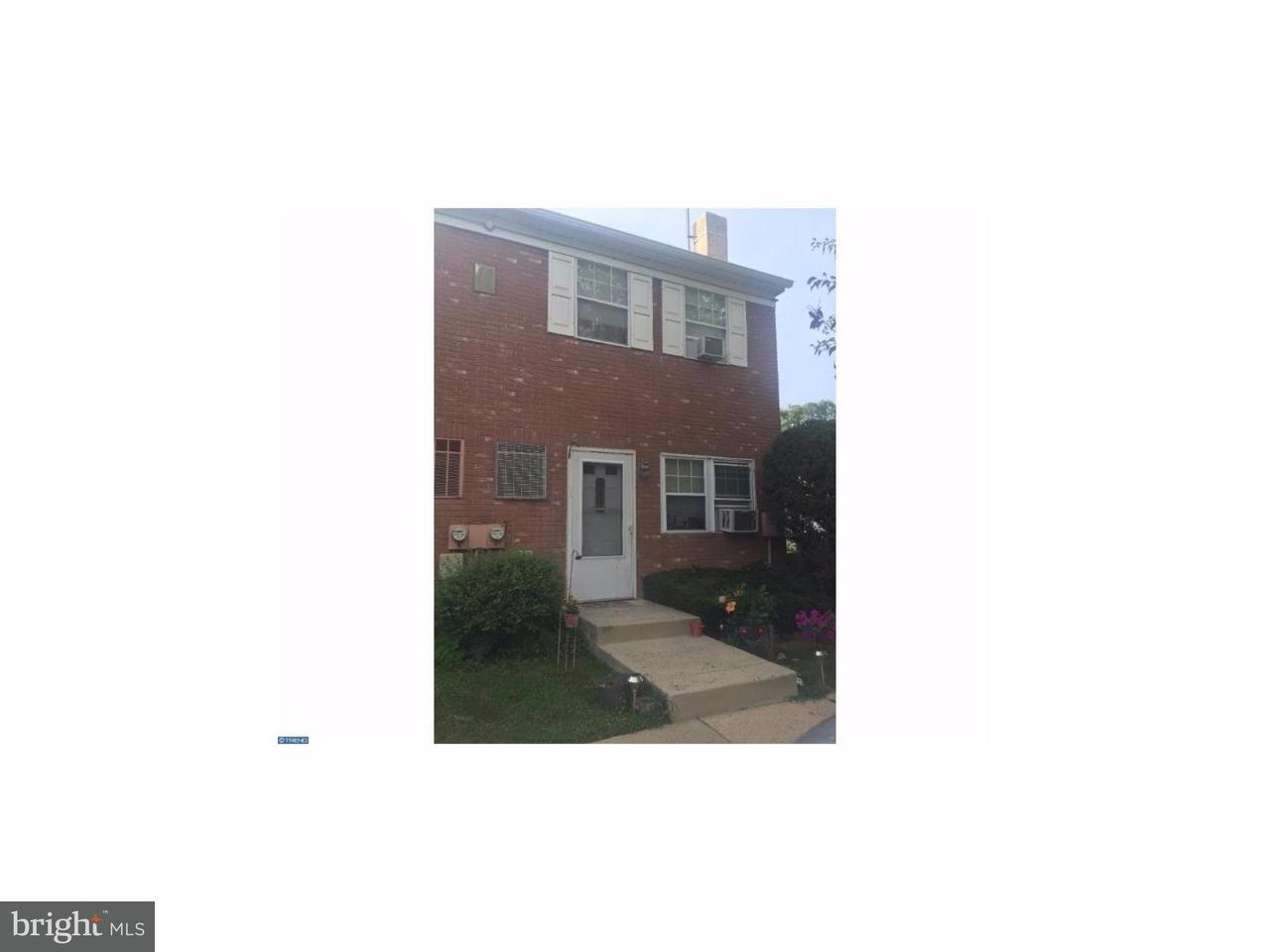 Casa unifamiliar adosada (Townhouse) por un Alquiler en 515 N YORK RD #11A Willow Grove, Pennsylvania 19090 Estados Unidos