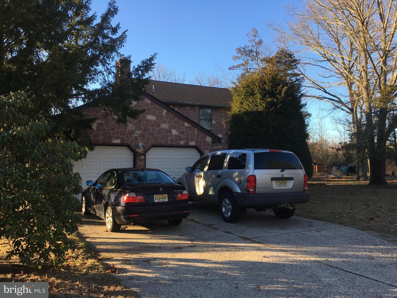 Частный односемейный дом для того Продажа на 103 OAK PINES BLVD Pemberton, Нью-Джерси 08068 Соединенные Штаты