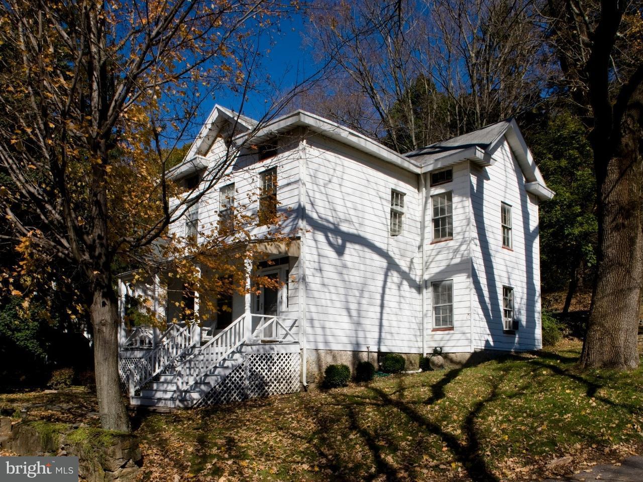 獨棟家庭住宅 為 出售 在 7 CHURCH Street Glen Gardner, 新澤西州 08826 美國