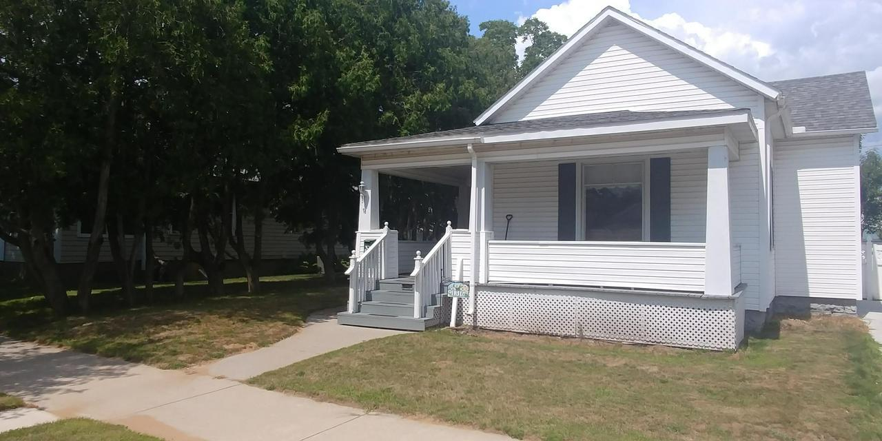 View Single-Family Home For Sale at 1316 14th Ave, MENOMINEE, MI