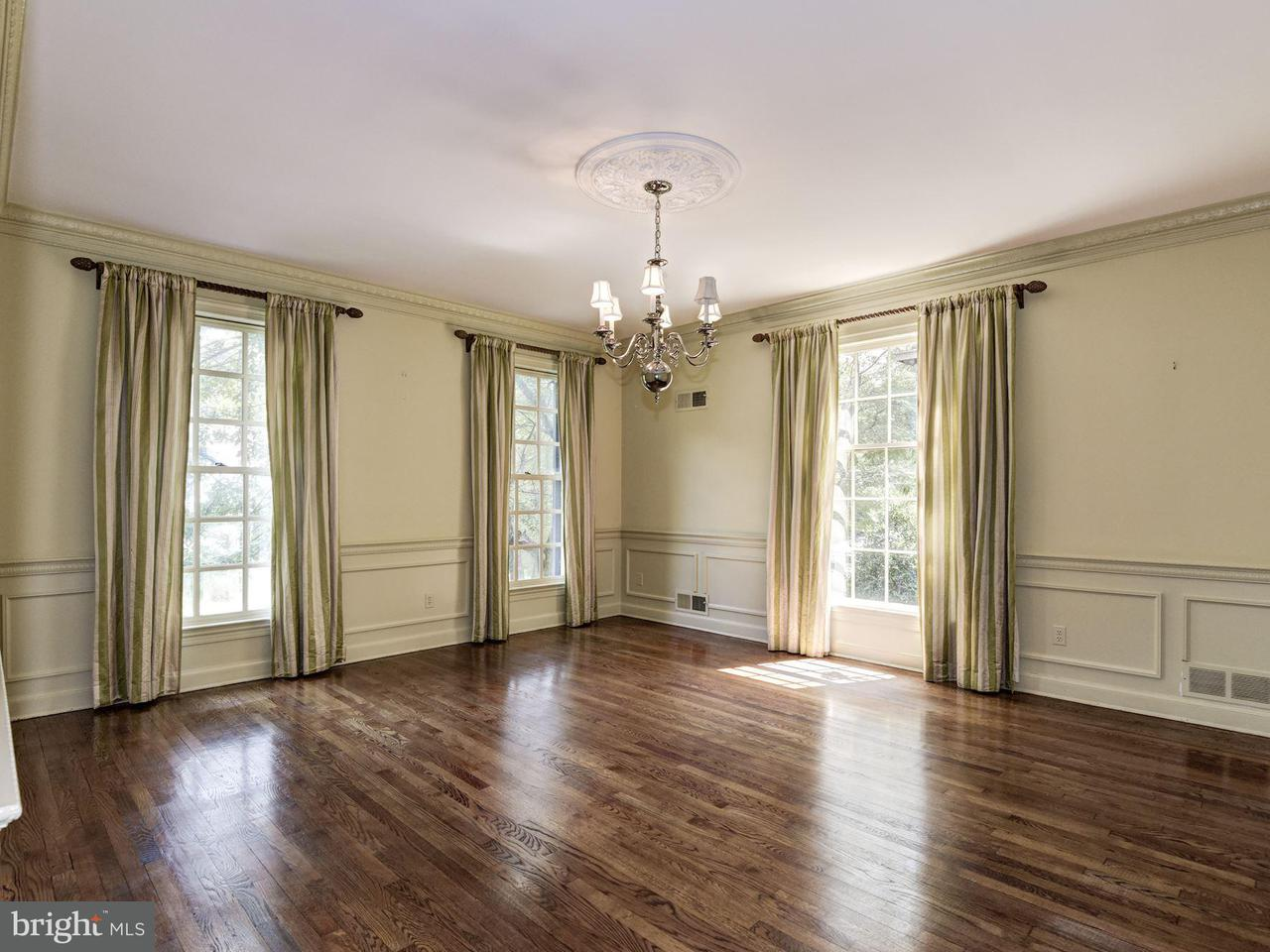 Additional photo for property listing at 4925 Weaver Ter NW  Washington, District Of Columbia 20016 United States