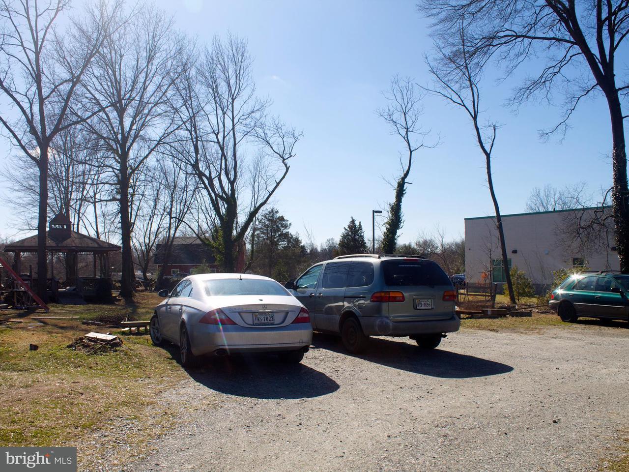Additional photo for property listing at 8990 WOODYARD Road 8990 WOODYARD Road Clinton, Maryland 20735 Estados Unidos