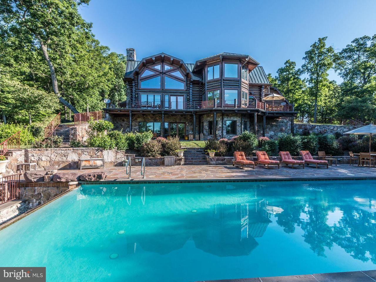 Villa per Vendita alle ore 610 PIN OAK Road 610 PIN OAK Road Paw Paw, Virginia Occidentale 25434 Stati Uniti