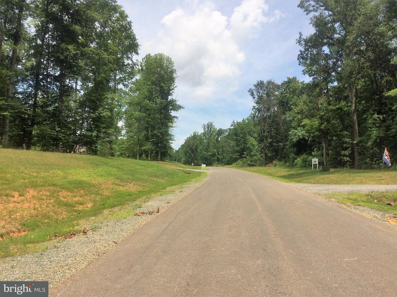 Casa Unifamiliar por un Venta en 113 CAMP GEARY Lane 113 CAMP GEARY Lane Stafford, Virginia 22554 Estados Unidos