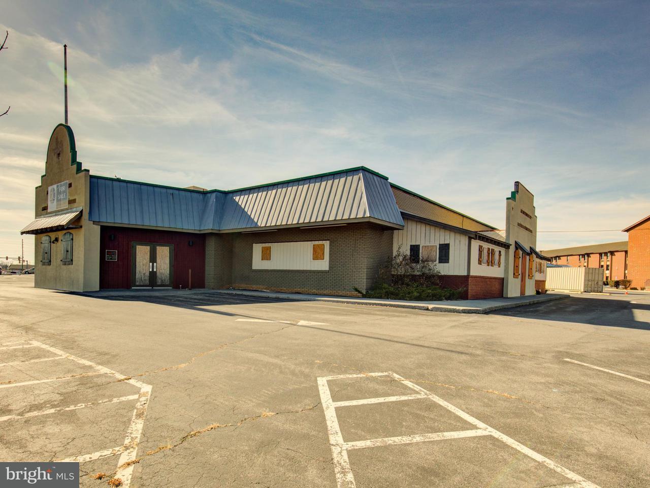 Commerciale per Vendita alle ore 120 FRONT ROYAL PIKE 120 FRONT ROYAL PIKE Winchester, Virginia 22602 Stati Uniti