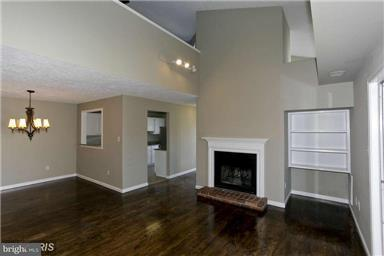 Other Residential for Rent at 10038 Oakton Terrace Rd Oakton, Virginia 22124 United States