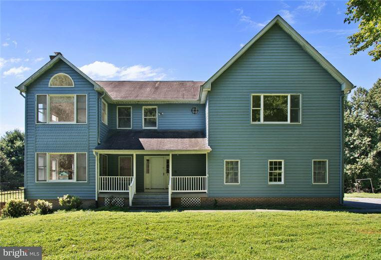 Single Family for Sale at 13835 Burntwoods Rd Glenelg, Maryland 21737 United States