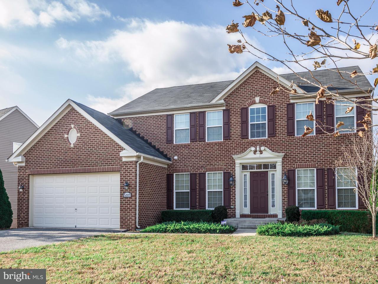 Eensgezinswoning voor Verkoop een t 5209 GRIFFENDALE Lane 5209 GRIFFENDALE Lane Upper Marlboro, Maryland 20772 Verenigde Staten