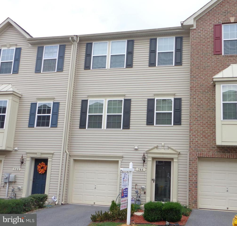 Single Family for Sale at 744 Olive Wood Ln Brooklyn, Maryland 21225 United States