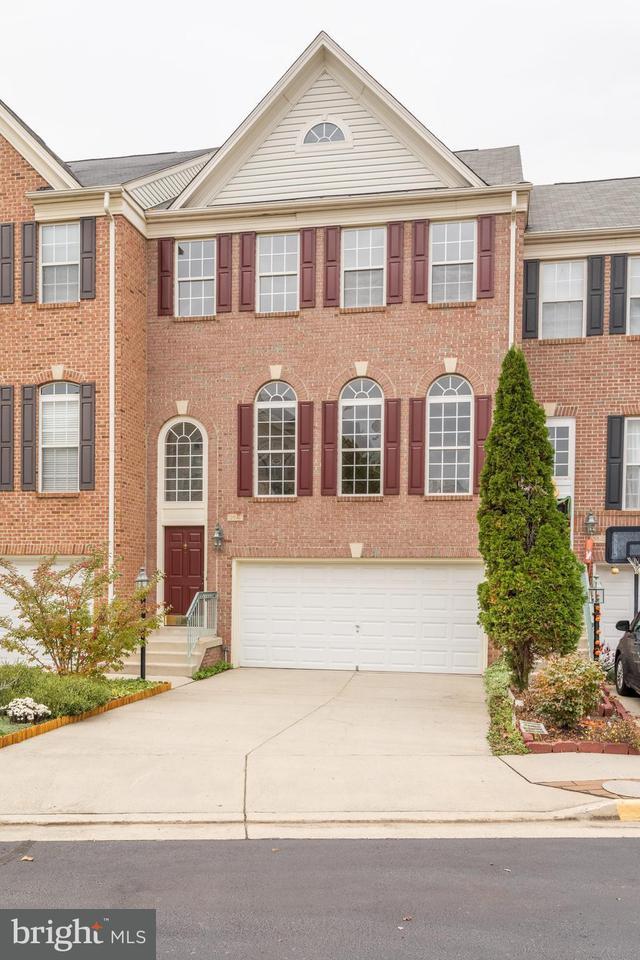 Townhouse for Sale at 13647 CEDAR RUN Lane 13647 CEDAR RUN Lane Herndon, Virginia 20171 United States