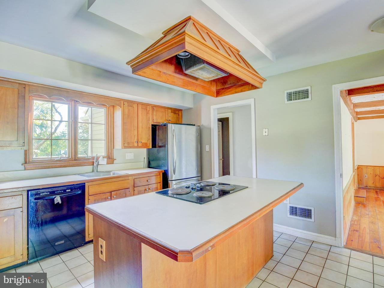 Additional photo for property listing at 12404 Beall Spring Road 12404 Beall Spring Road Potomac, Maryland 20854 United States