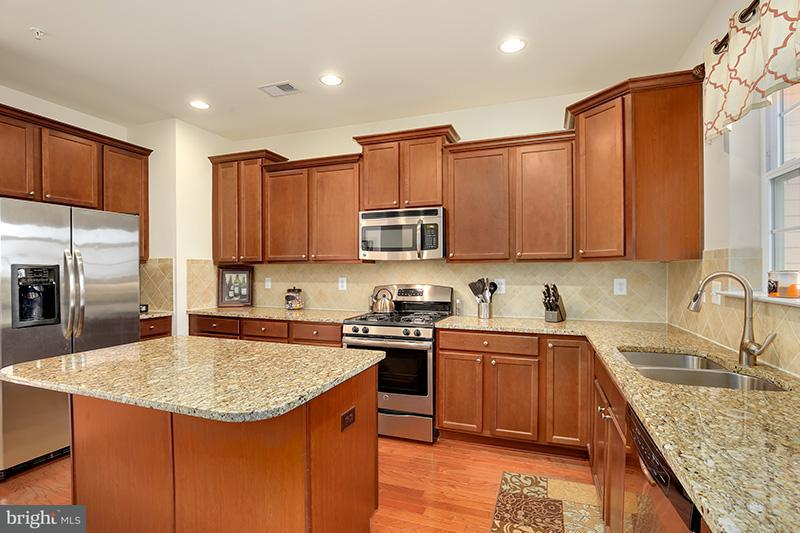 Townhouse for Sale at 641 HIGHLAND FARMS Circle 641 HIGHLAND FARMS Circle Gambrills, Maryland 21054 United States