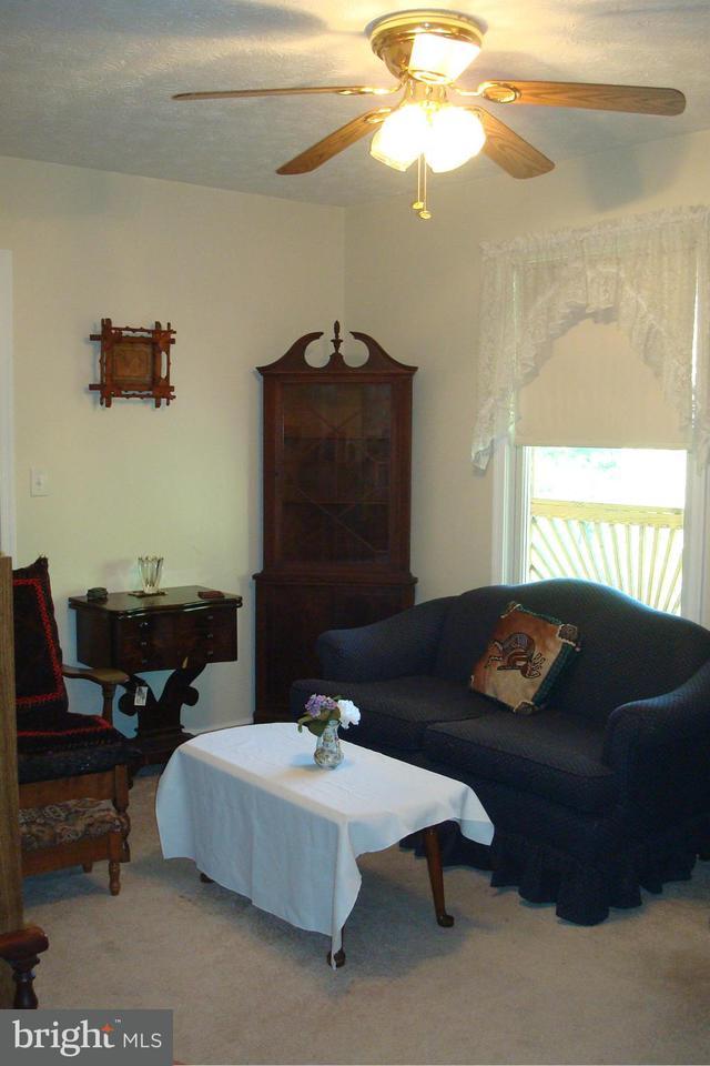 Additional photo for property listing at 88 CARAVAN LANE 88 CARAVAN LANE Berkeley Springs, West Virginia 25411 Estados Unidos