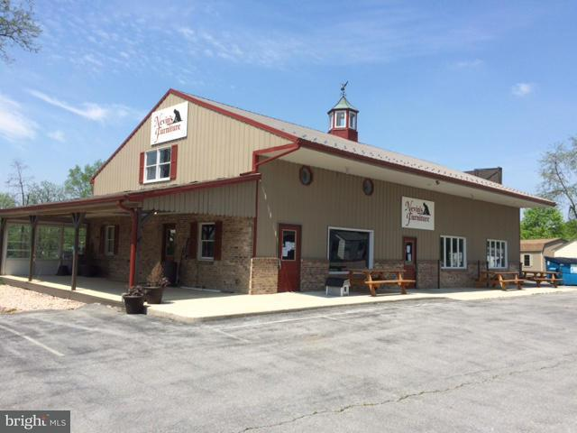 Comercial por un Venta en 15021 Molly Pitcher Hwy 15021 Molly Pitcher Hwy Greencastle, Pennsylvania 17225 Estados Unidos
