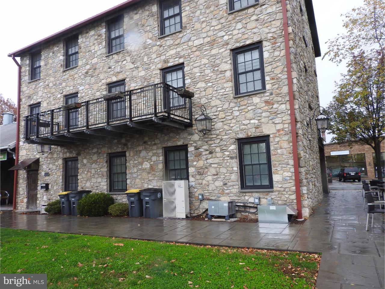 Casa Unifamiliar por un Alquiler en 26 E LANCASTER AVE #R3 Downingtown, Pennsylvania 19335 Estados Unidos
