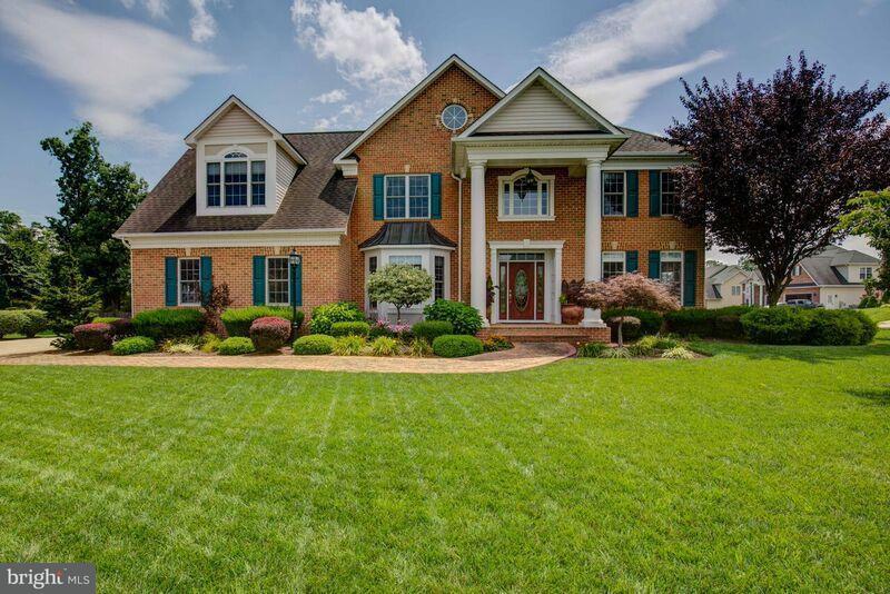 Eensgezinswoning voor Verkoop een t 108 CAHILLE Drive 108 CAHILLE Drive Winchester, Virginia 22602 Verenigde Staten