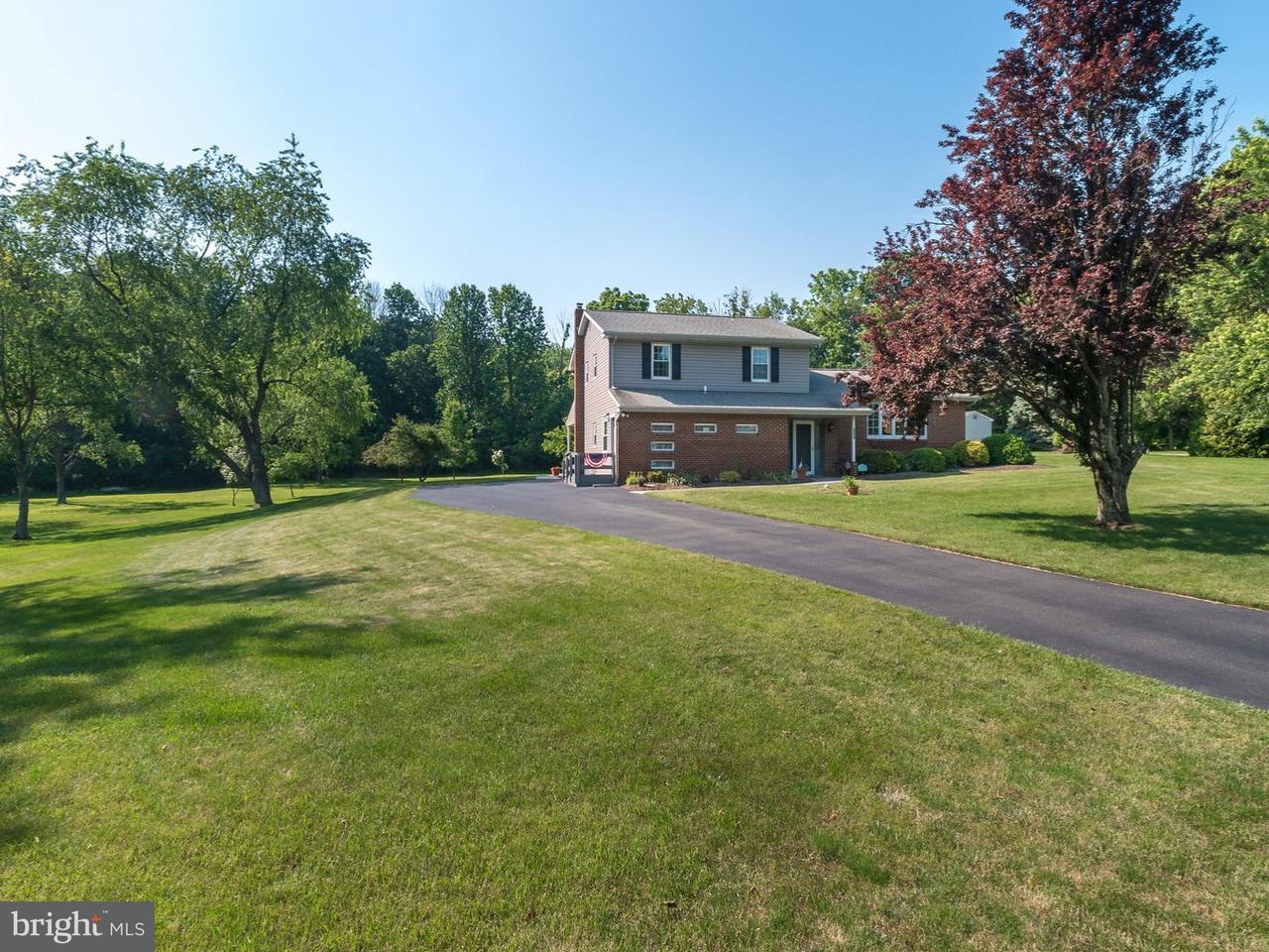 Частный односемейный дом для того Продажа на 4792 MANOR WAY East Greenville, Пенсильвания 18041 Соединенные Штаты