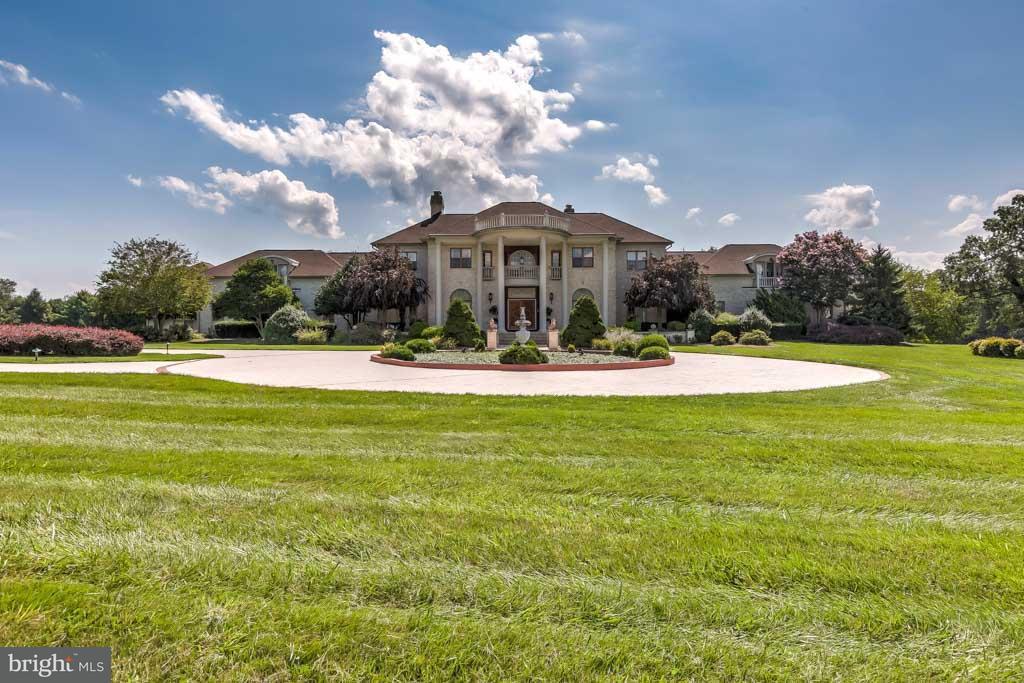 Maison unifamiliale pour l Vente à 3825 Butler Road 3825 Butler Road Glyndon, Maryland 21136 États-Unis