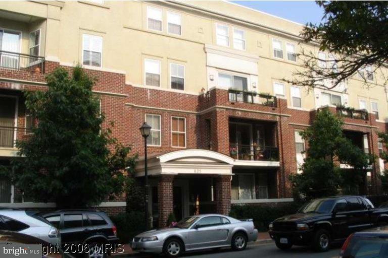 Condominium for Rent at 621 Saint Asaph St N #206 Alexandria, Virginia 22314 United States