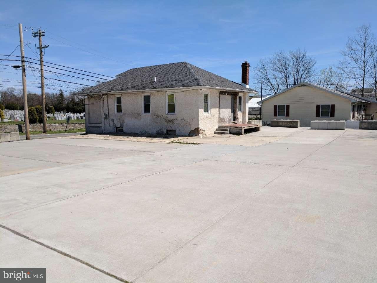 Casa Unifamiliar por un Venta en 420 W OAK Lane Glenolden, Pennsylvania 19036 Estados Unidos