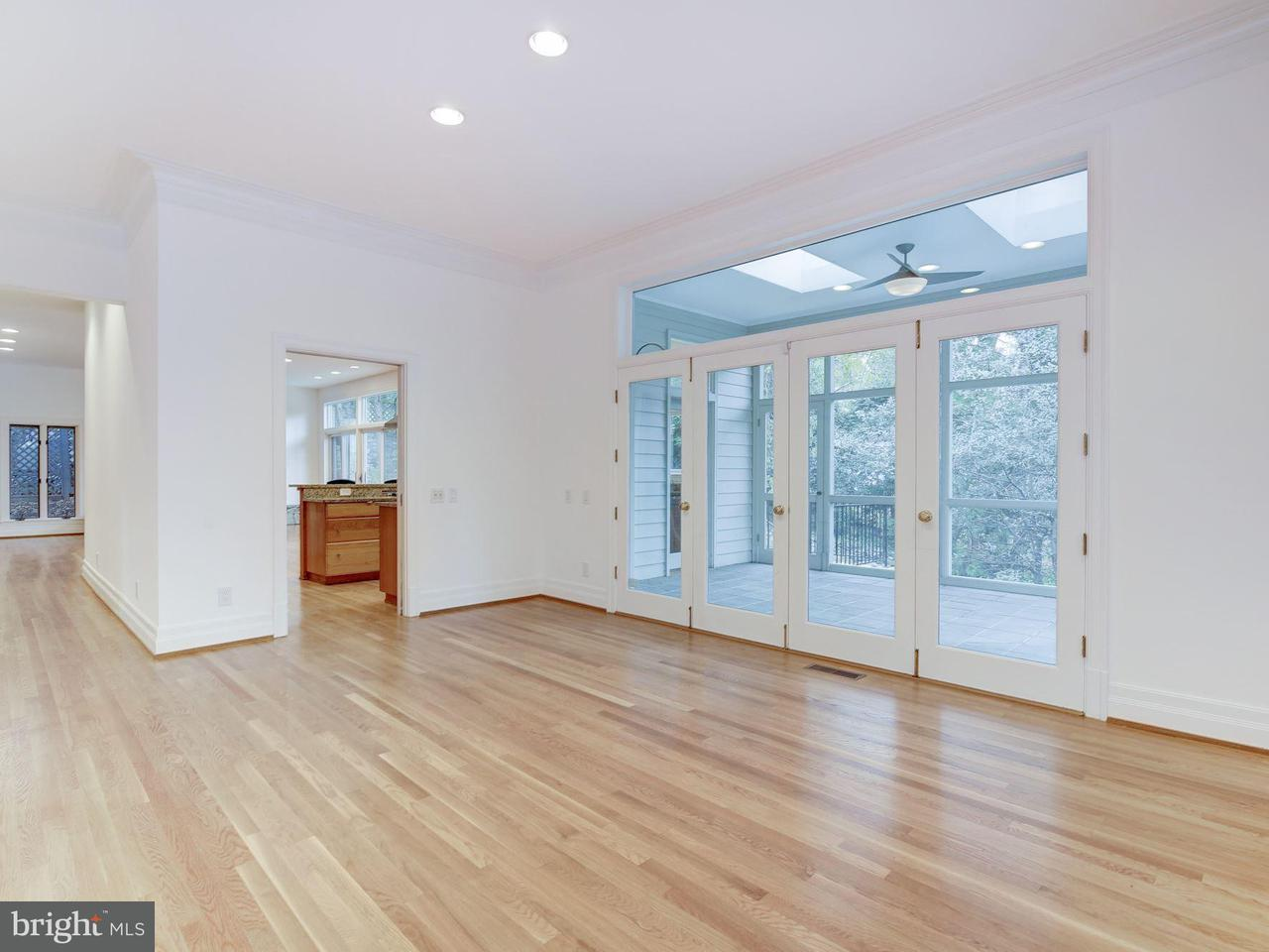 Additional photo for property listing at 4433 Cathedral Ave NW  Washington, District Of Columbia 20016 United States