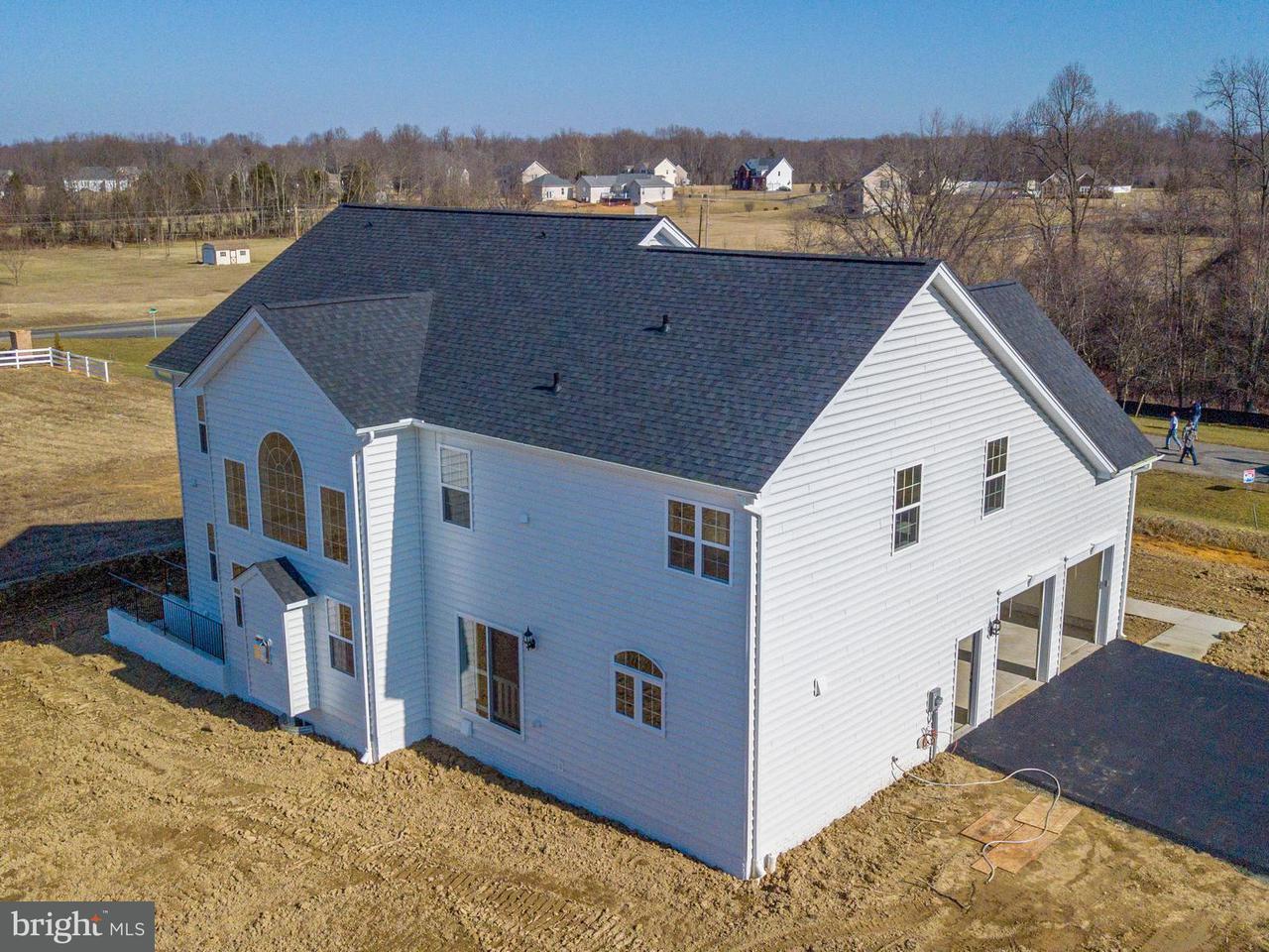 Частный односемейный дом для того Продажа на 7249 FILLY Court 7249 FILLY Court Hughesville, Мэриленд 20637 Соединенные Штаты