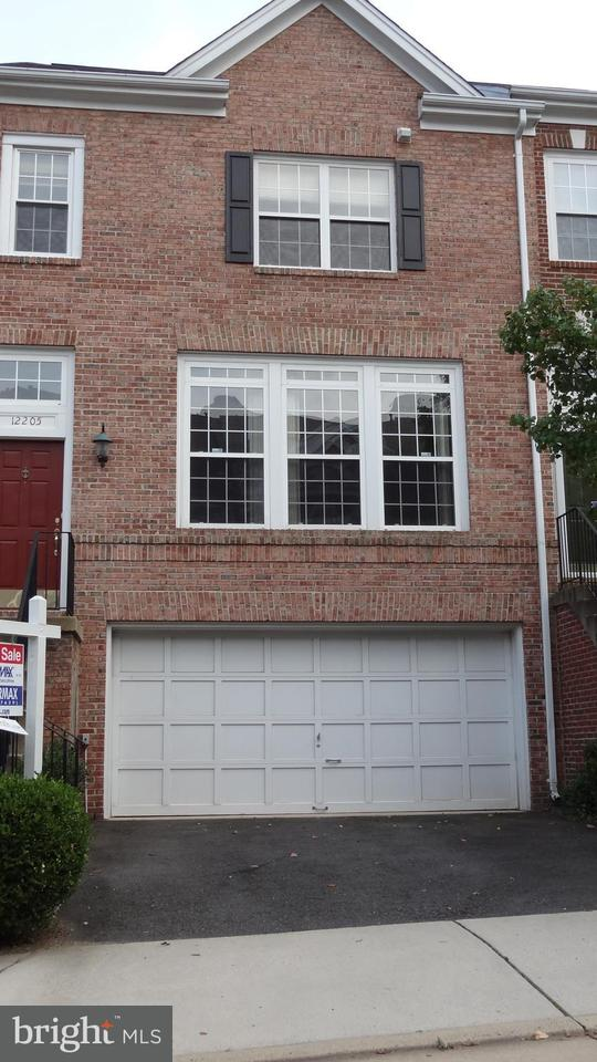 Townhouse for Sale at 12205 TENBURY TER 12205 TENBURY TER Fairfax, Virginia 22030 United States