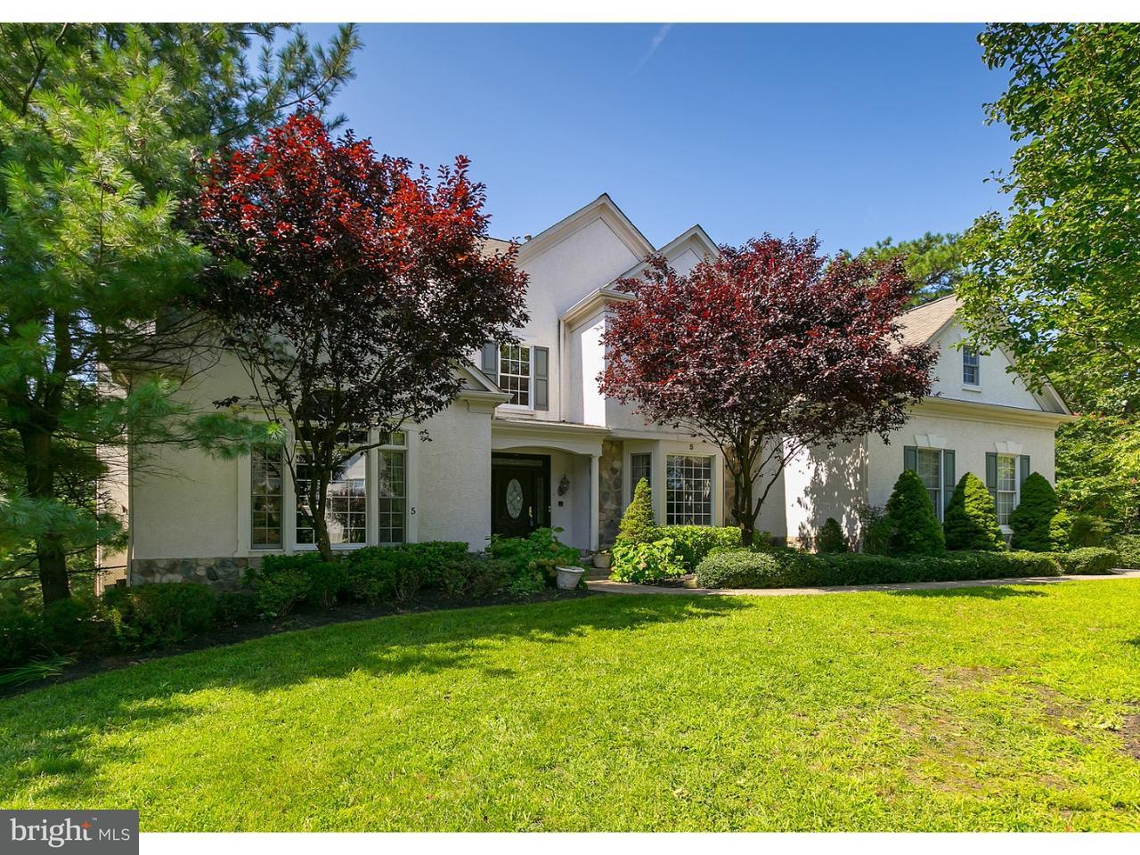 Nhà ở một gia đình vì Bán tại 5 FAWNWOOD Drive Voorhees, New Jersey 08043 Hoa Kỳ