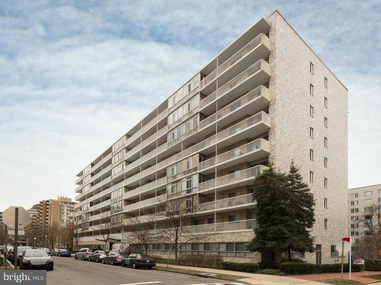Commercieel voor Verkoop een t 730 24TH ST NW #1 730 24TH ST NW #1 Washington, District Of Columbia 20037 Verenigde Staten