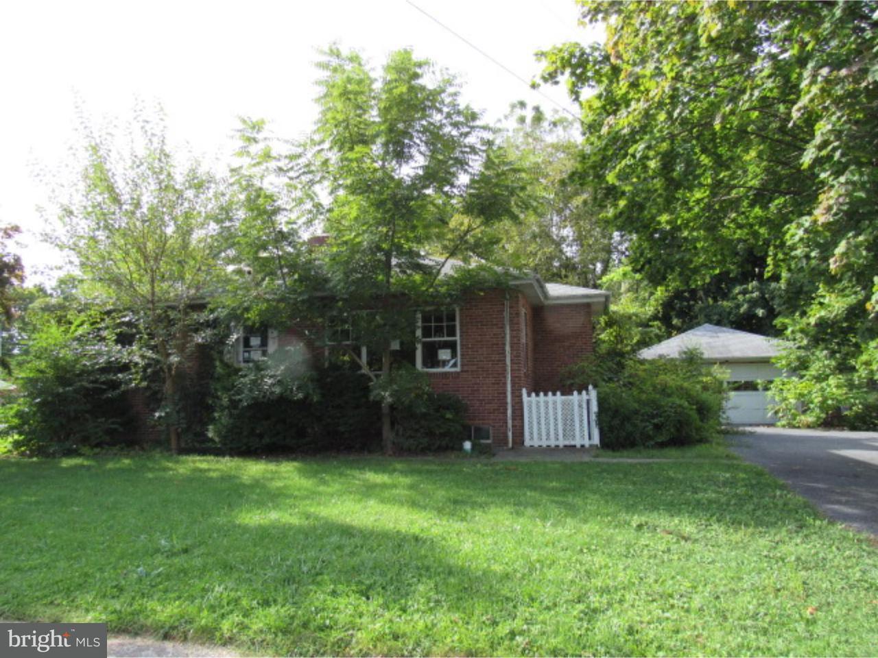Maison unifamiliale pour l Vente à 320 E EMAUS Street Middletown, Pennsylvanie 17057 États-Unis