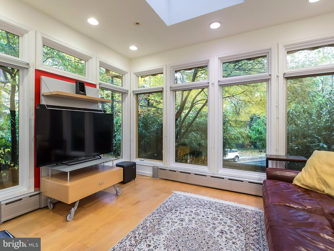Additional photo for property listing at 3320 Quebec Pl NW  Washington, District Of Columbia 20008 United States