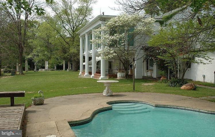 Additional photo for property listing at 10606 Belmont Blvd 10606 Belmont Blvd 洛顿, 弗吉尼亚州 22079 美国