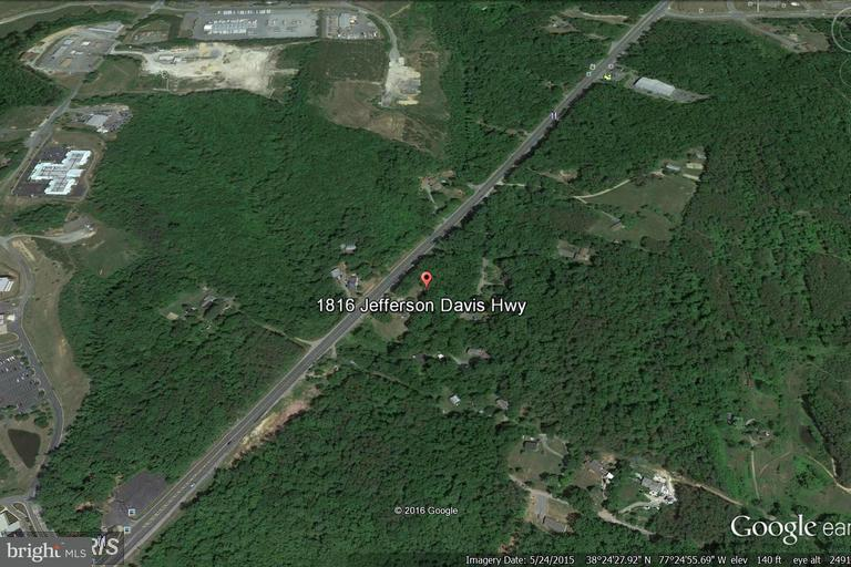 Terreno por un Venta en 1816 JEFFERSON DAVIS HWY 1816 JEFFERSON DAVIS HWY Stafford, Virginia 22554 Estados Unidos