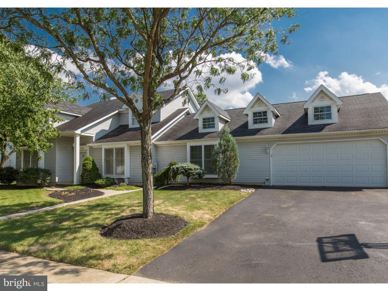独户住宅 为 销售 在 400 STANFORD Road Fairless Hills, 宾夕法尼亚州 19030 美国