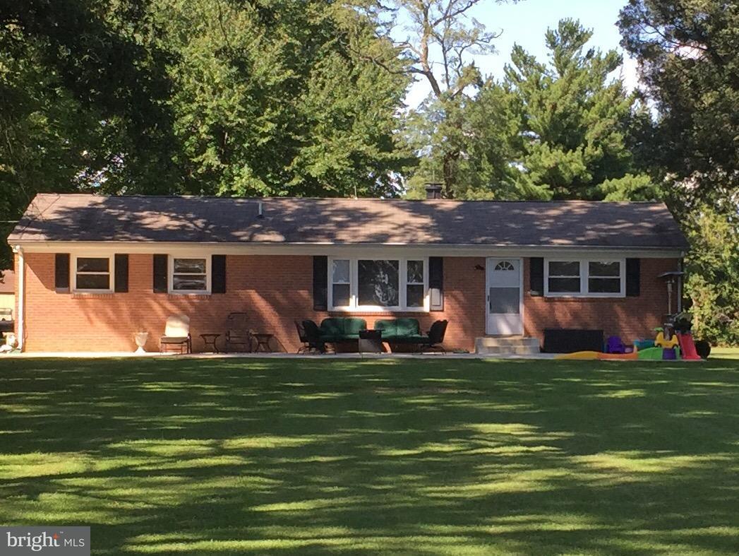 Частный односемейный дом для того Продажа на 21410 SPRINGFIELD Road 21410 SPRINGFIELD Road Bushwood, Мэриленд 20618 Соединенные Штаты