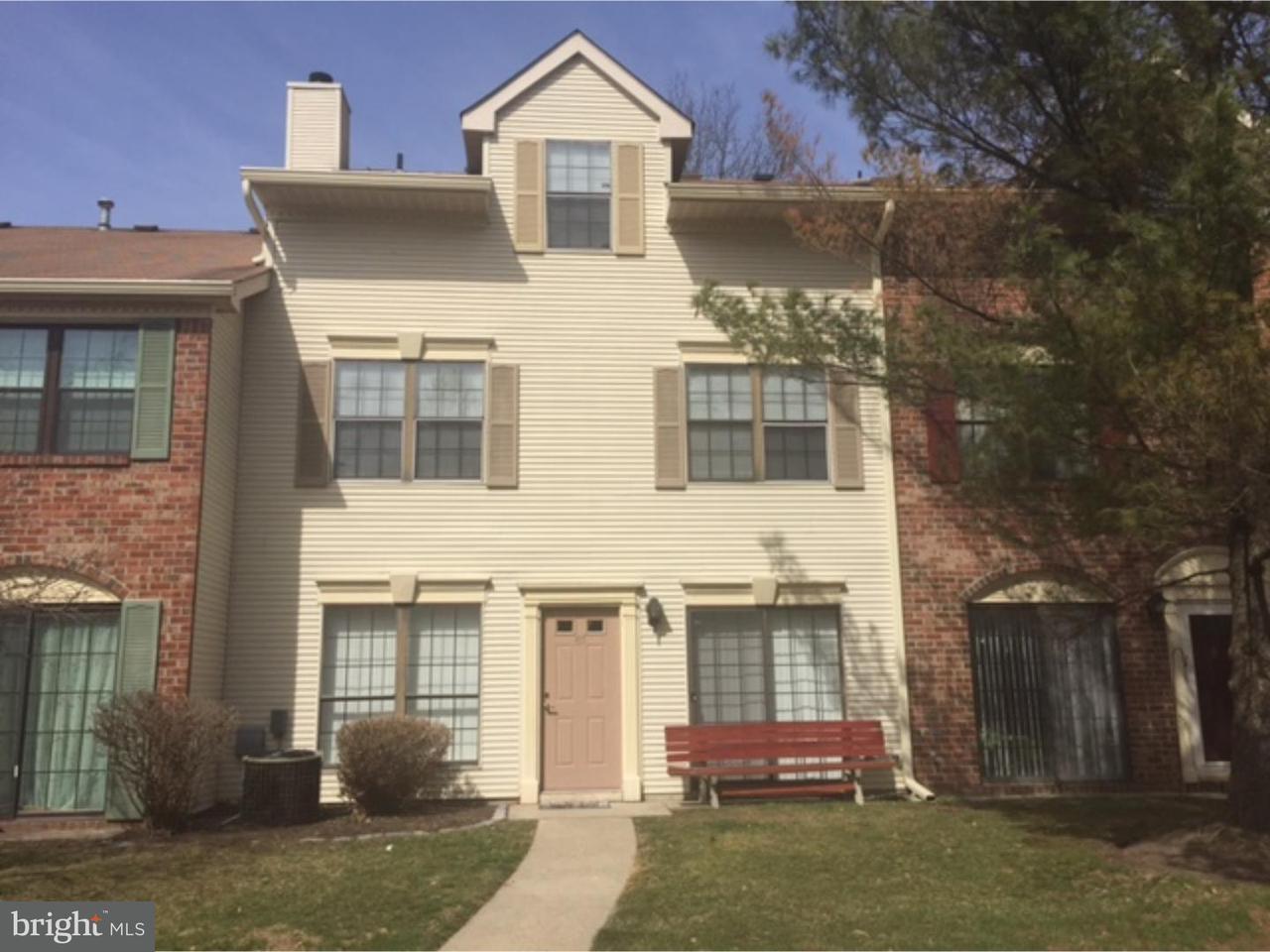 联栋屋 为 出租 在 67 DREWES Court 劳伦斯维尔, 新泽西州 08648 美国在/周边: Lawrence Township