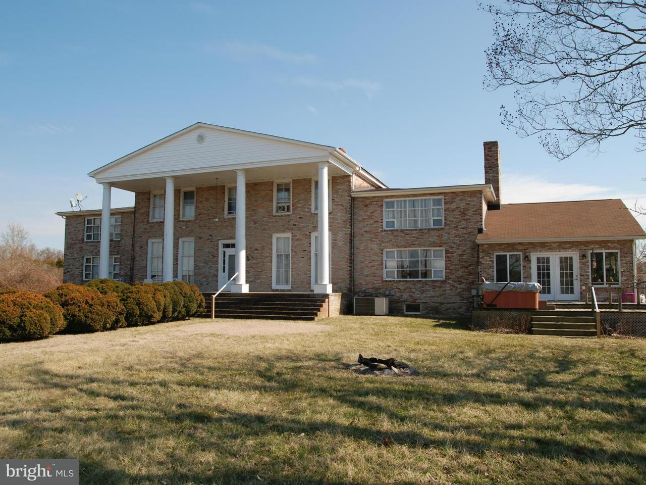 Maison unifamiliale pour l Vente à 21500 ABELL'S WHARF Road 21500 ABELL'S WHARF Road Leonardtown, Maryland 20650 États-Unis