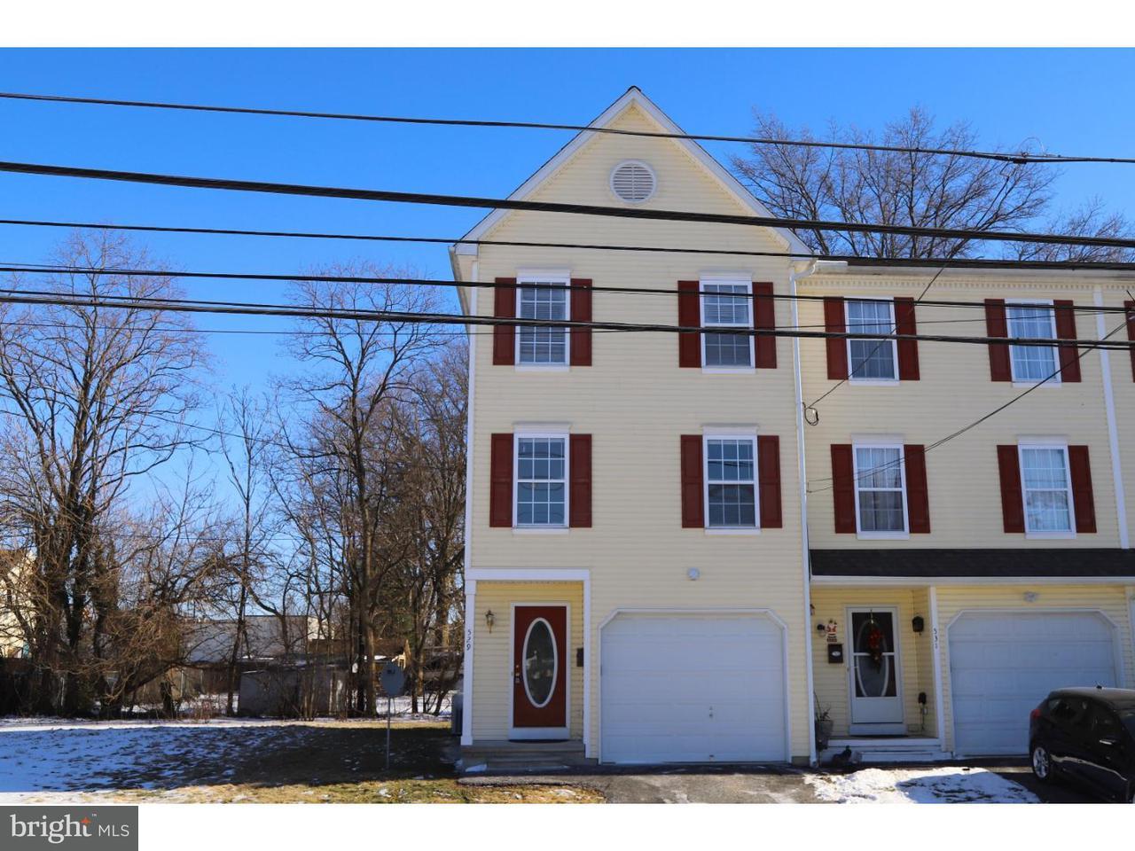 Casa unifamiliar adosada (Townhouse) por un Alquiler en 529 CENTER Street Kennett Square, Pennsylvania 19348 Estados Unidos