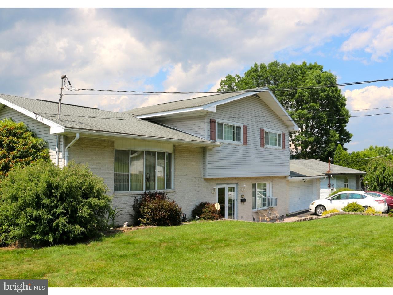Maison unifamiliale pour l Vente à 517 W NICHOLAS Street Frackville, Pennsylvanie 17931 États-Unis